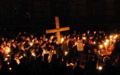Via crucis con y por los jóvenes – Juan Jaime Escobar
