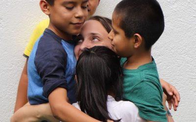 42 niños y niñas de Oaxaca y unos cuantos jóvenes del mundo – Juan Carlos de la Riva