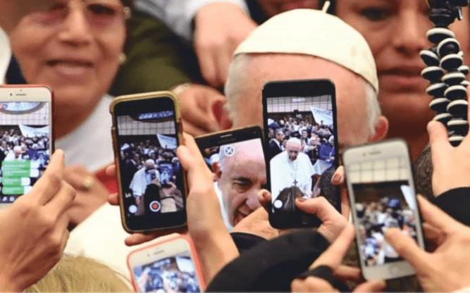 A cuenta de la falsa cobra del Papa Francisco – Luis Vicente García, Txenti